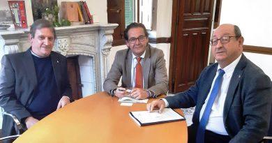 Reunión en Granada con el Delegado de La Consejería de Fomento